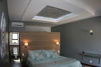 Tan n Biki Lodge Macaneta Accommodation