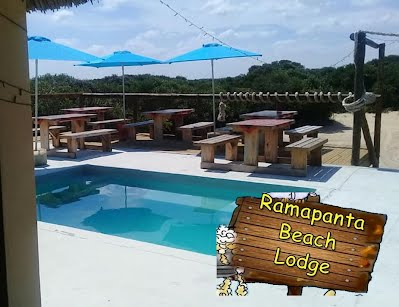 Ramapanta Beach Lodge Bar and pool Macaneta
