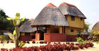 Sunrise Lodge Macaneta accommodation with pool