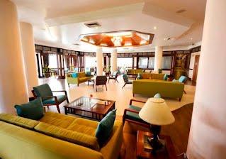 Hotel Cardoso Foyer in Maputo